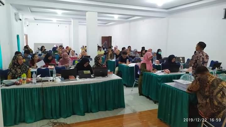 Para peserta sangat antusias mengikuti arahan Coach Nasional Mr. Aso dari Makassar.